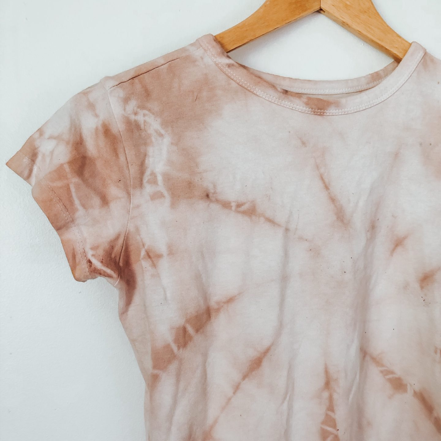 How to Naturally Dye Clothing with Food!
